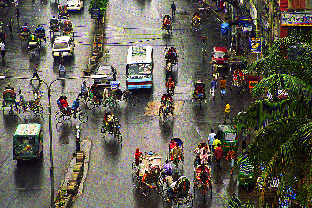 bangladesh/banglaesh_wet_street