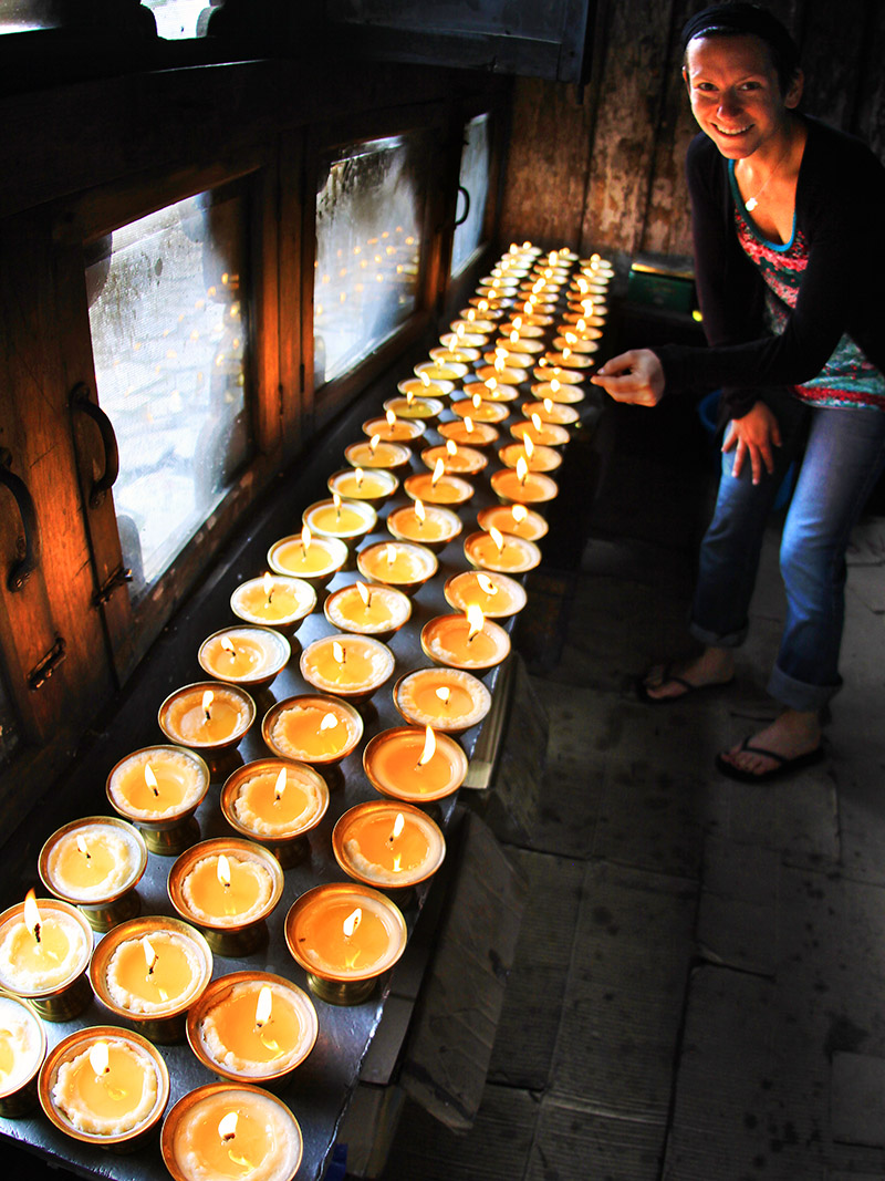 bhutan/paro_temple_candles_jen