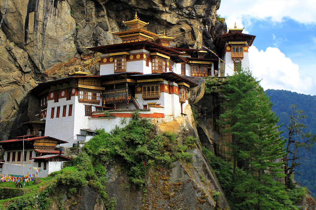 bhutan/tigers_nest_close