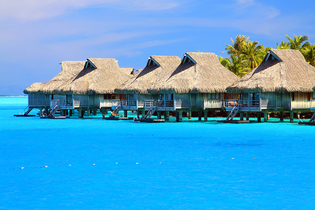 bora_bora/bora_hilton_right_view