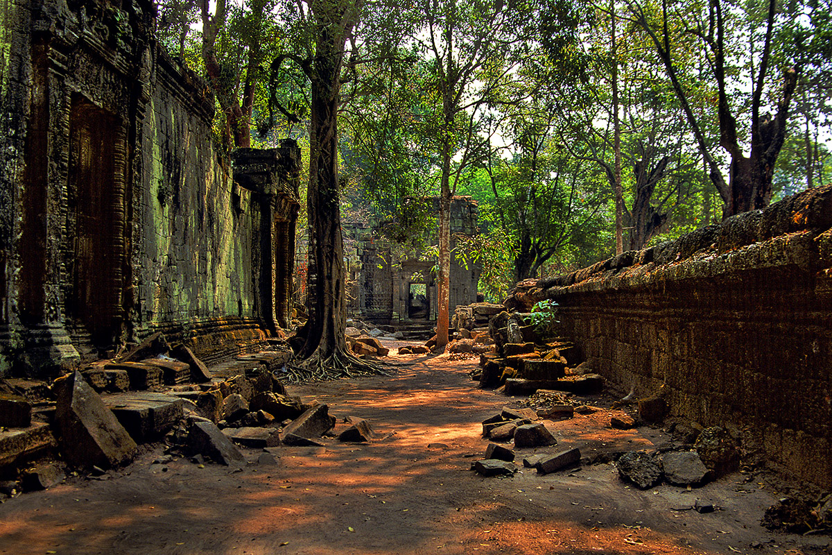 cambodia/angkor_alley_merge