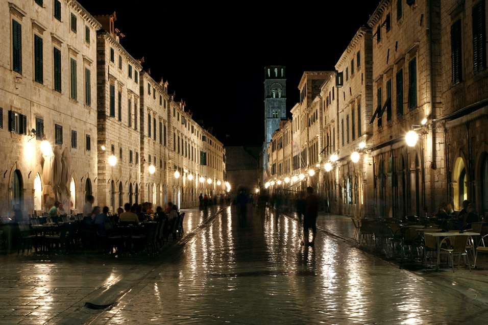 croatia/dubrovnik_night_street