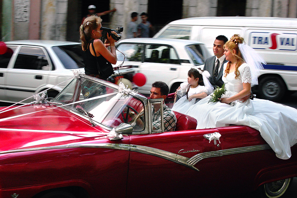 cuba/wedding_close