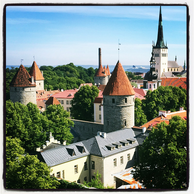estonia/tallinn_fairytale_land