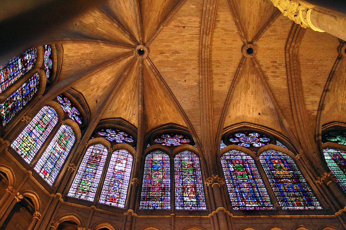 france/2011/reim_cathedral_stained_glass_ceiling
