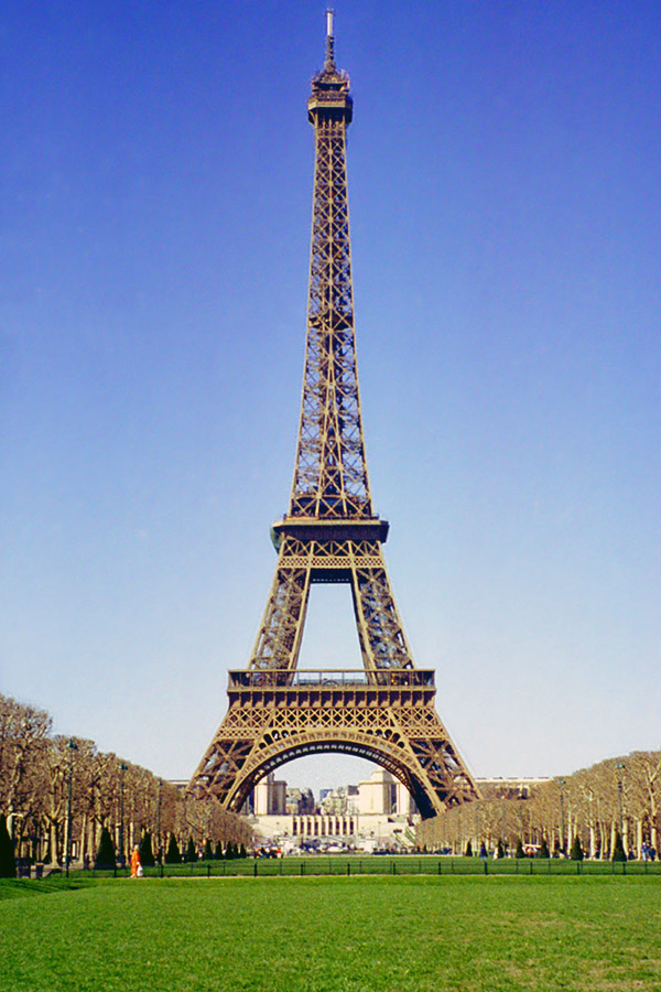 france/eifel_tower_grass