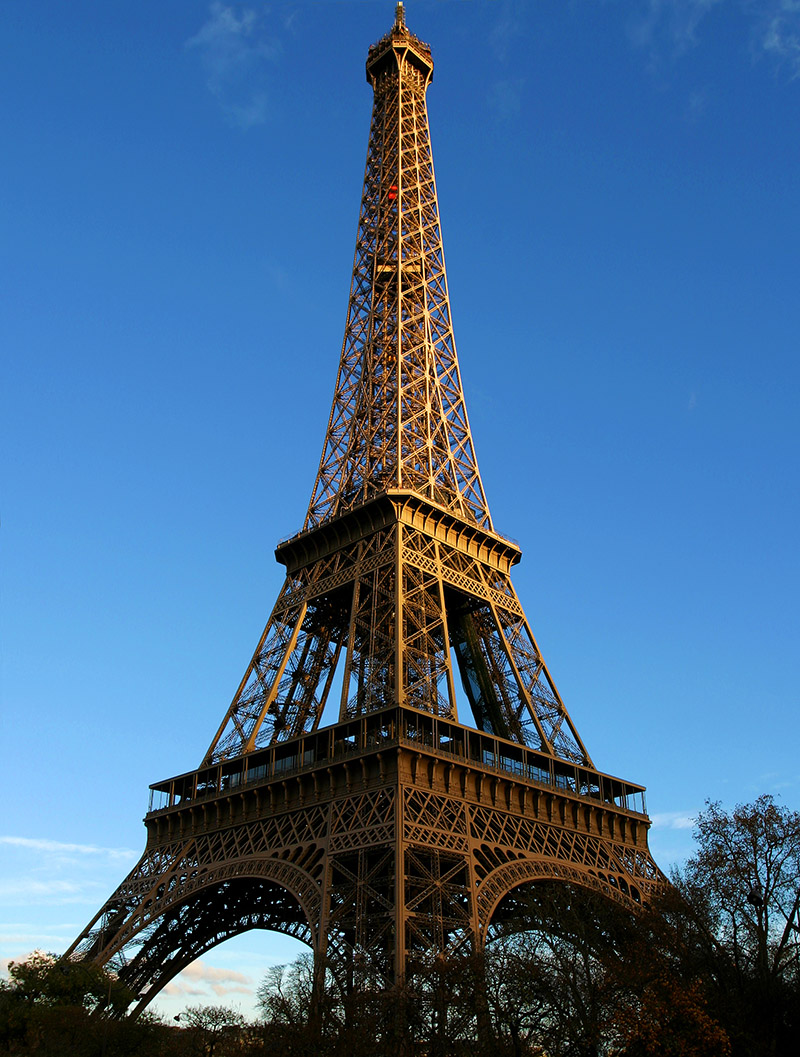 france/paris_eiffel_center_vert