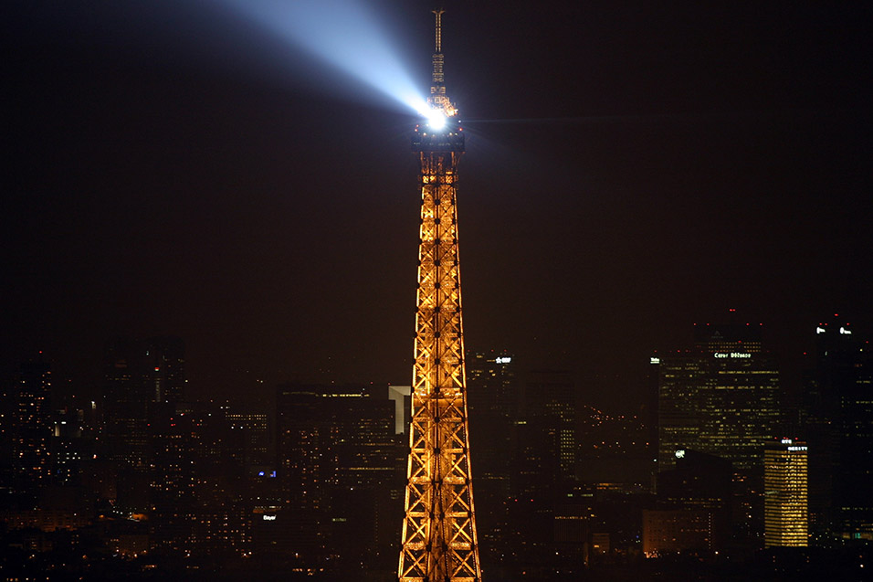 france/paris_eiffel_night_close