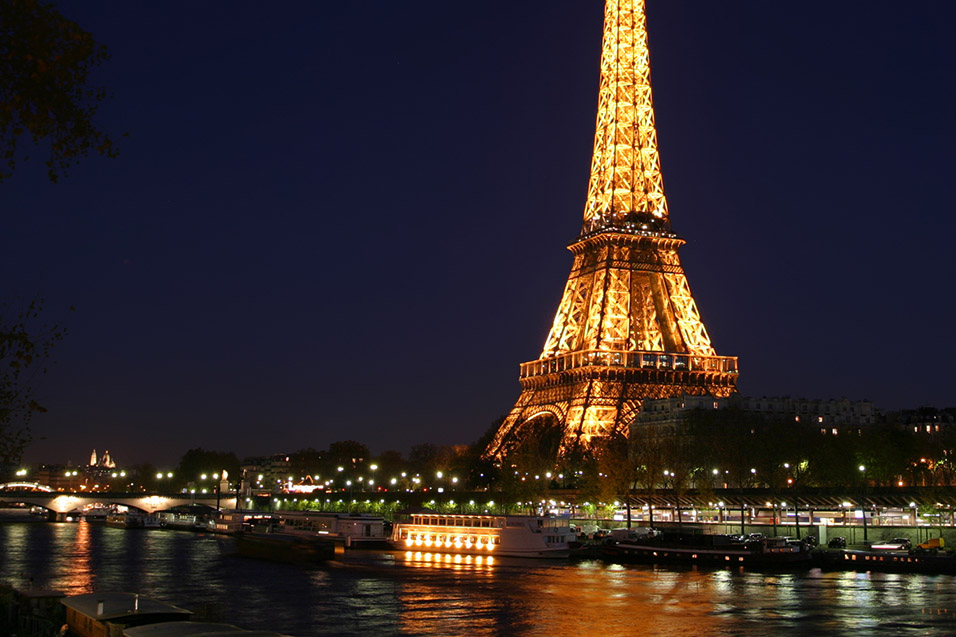 france/paris_eiffel_night_seine_cropped