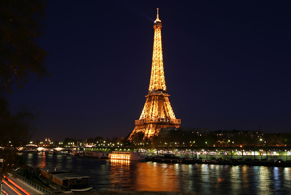 france/paris_eiffel_night_seine_full