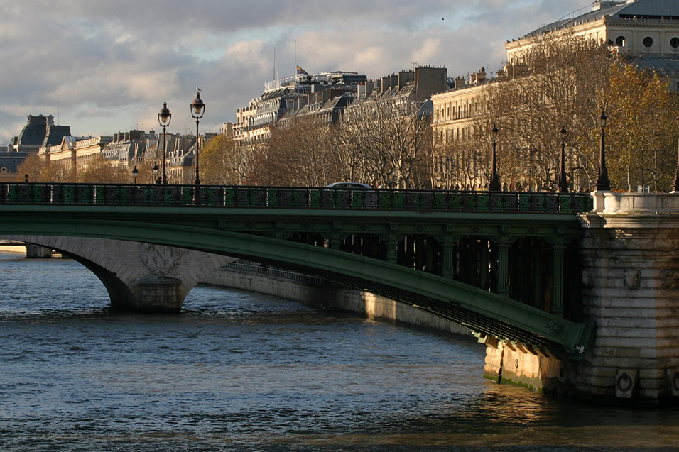 france/paris_golden_hour_bridge
