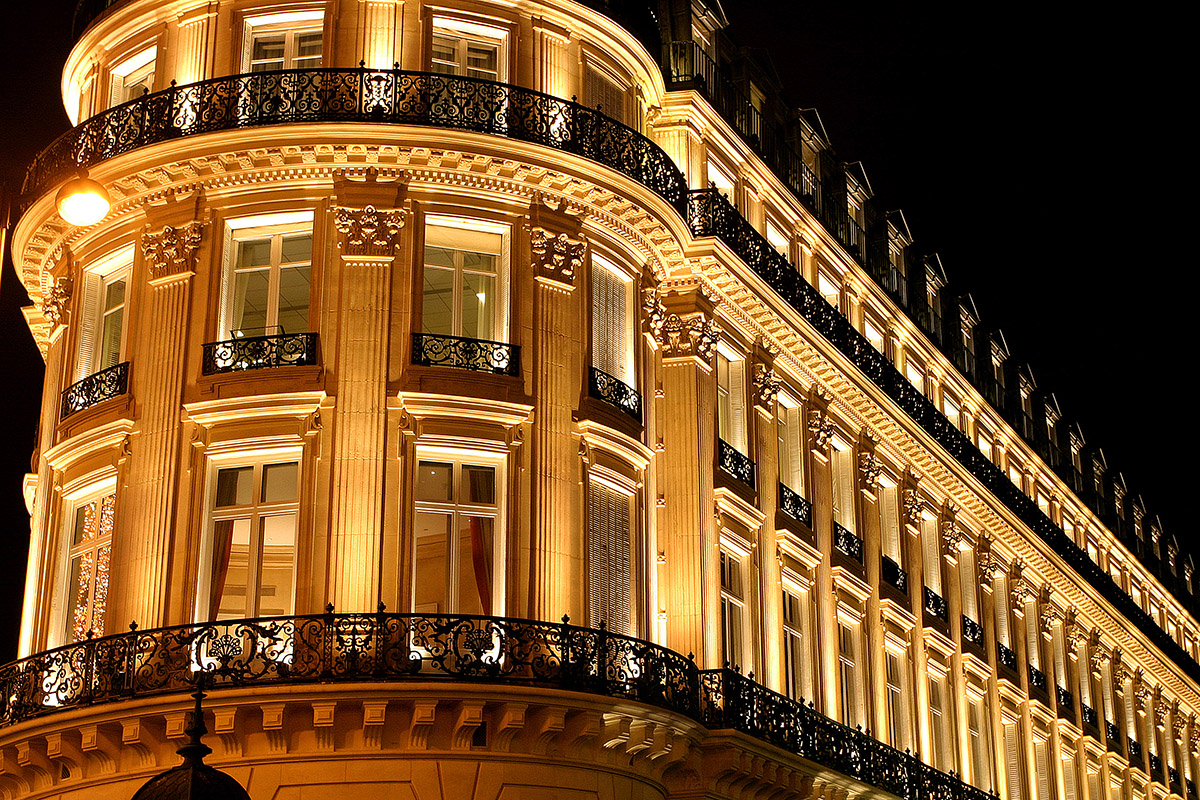 france/paris_night_cool_building