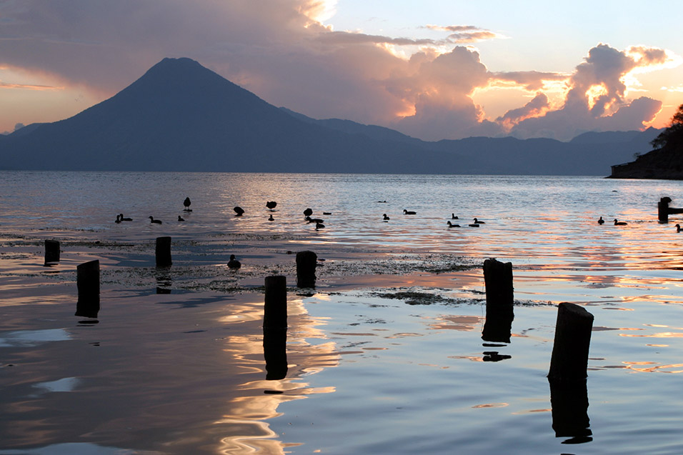 guatemala/santa_catarina_sunset_lake_posts
