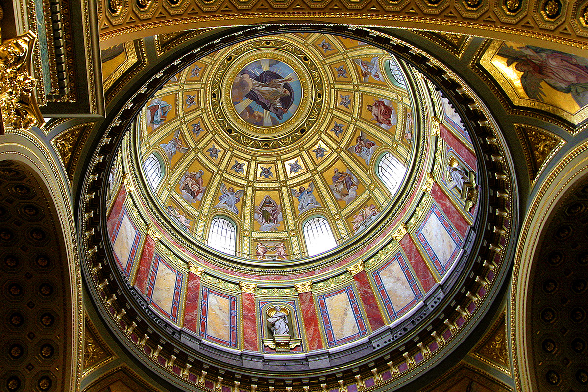 hungary/budapest_church_dome