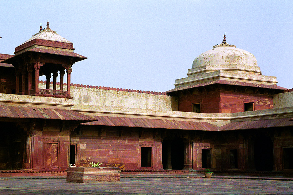 india/fatehpur_courtyard