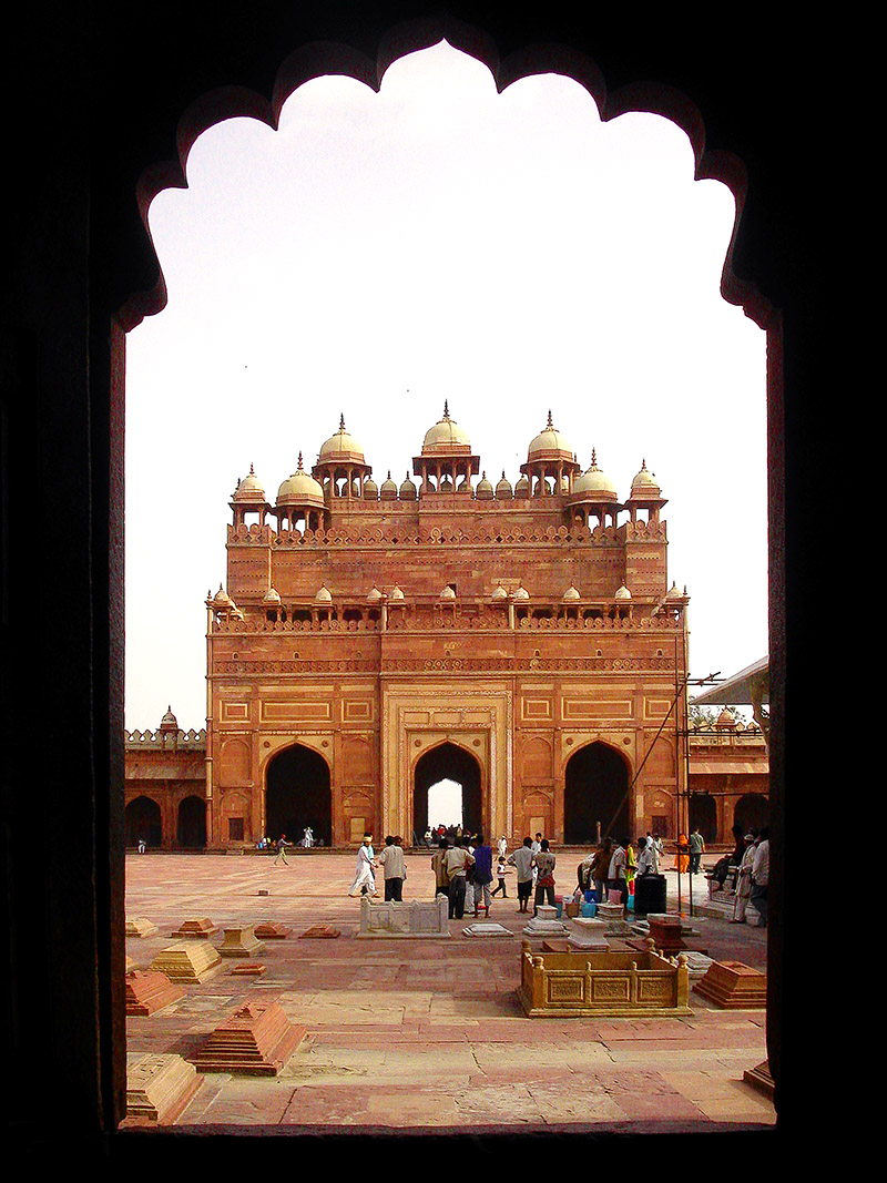 india/fatehpur_door_view
