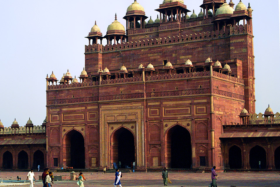 india/fatehpur_tower_people