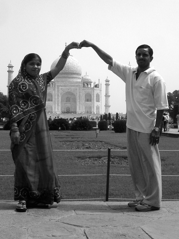 india/taj_mahal_newly_weds