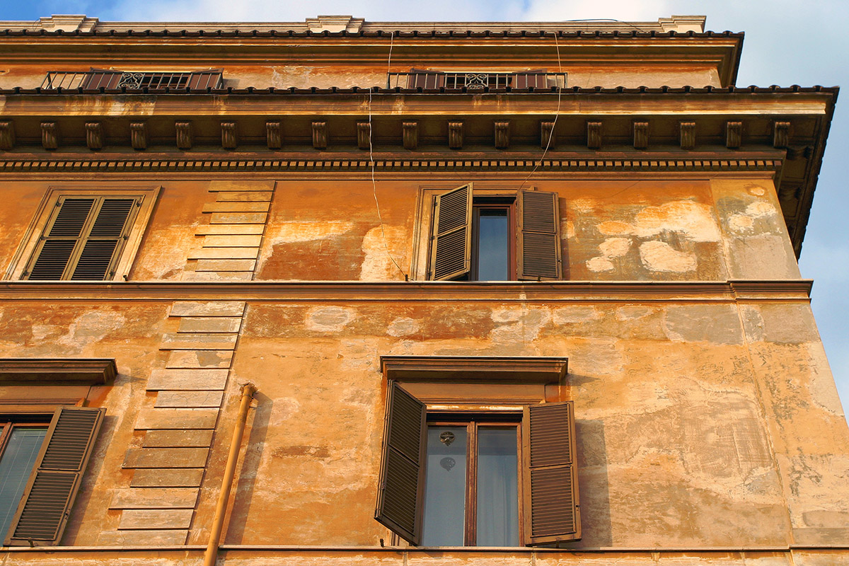 italy/rome_rust_house