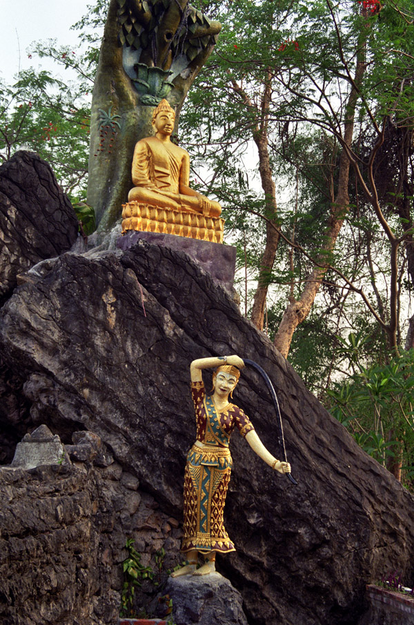 laos/lp_gold_buddha_rock