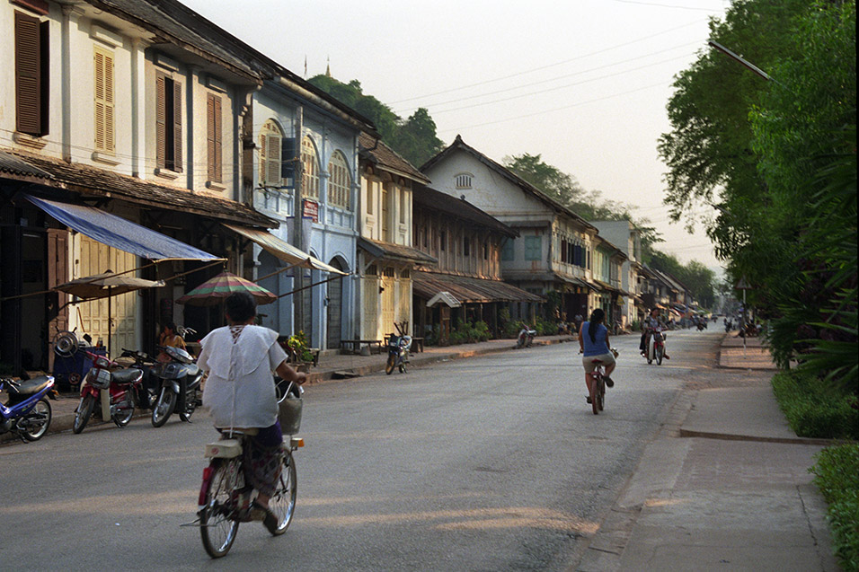 laos/lp_sleepy_street