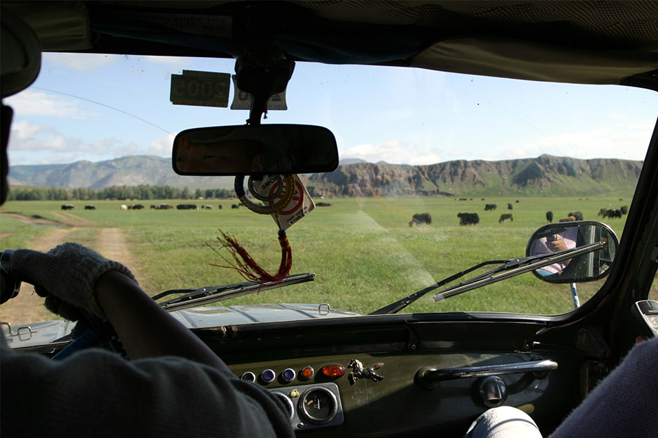 mongolia/car_inside_1
