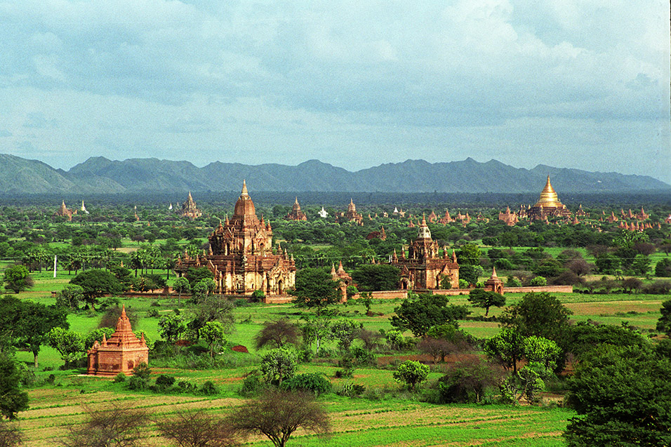myanmar/bagan_distance_view_temples