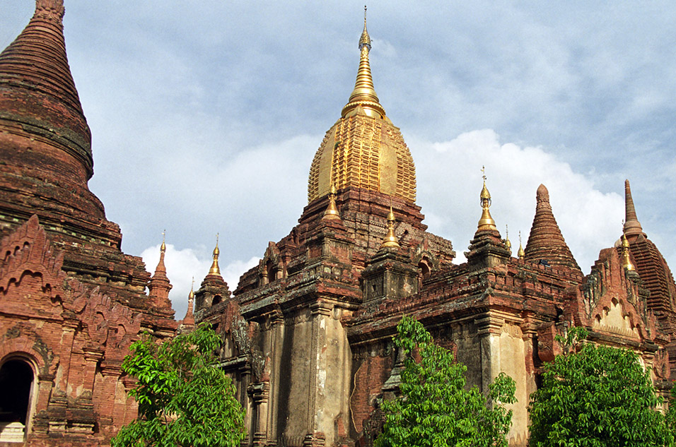 myanmar/bagan_golden_rock_temple