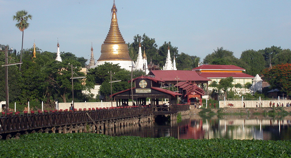 myanmar/mandalay_thinga_yazar_teak_bridge
