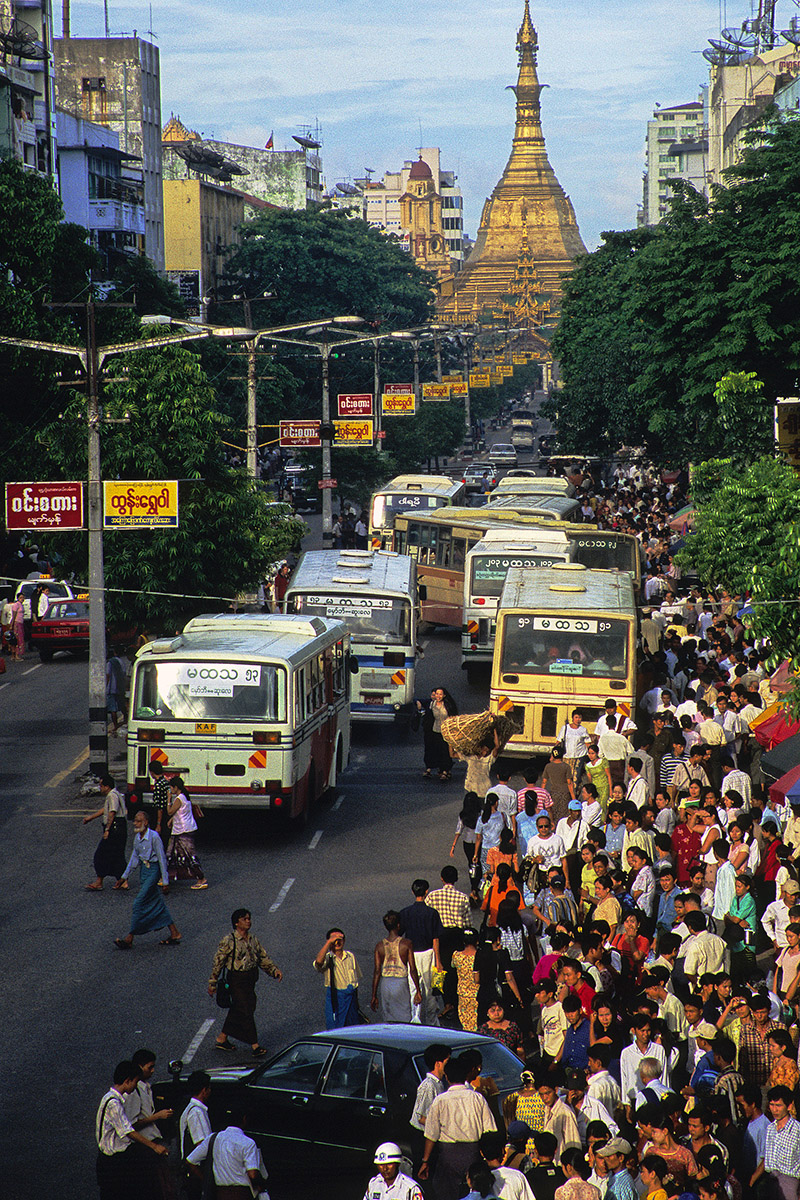 myanmar/yangon_traffic_mess
