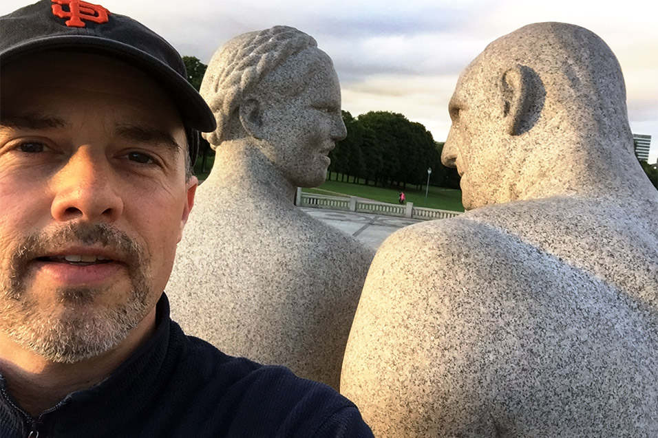 norway/oslo_sunset_sculptures