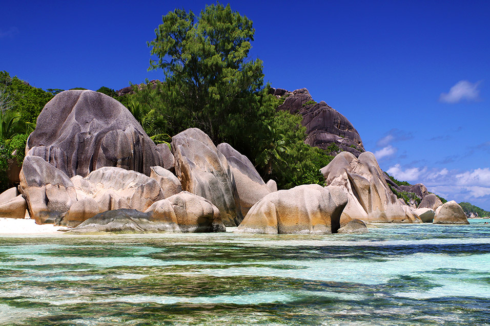 seychelles/la_digue_awesome_rocks
