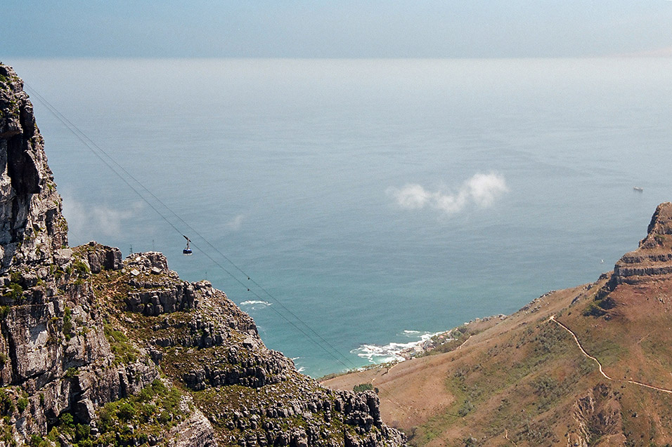 south_africa/cape_town_table_mtn_gondola