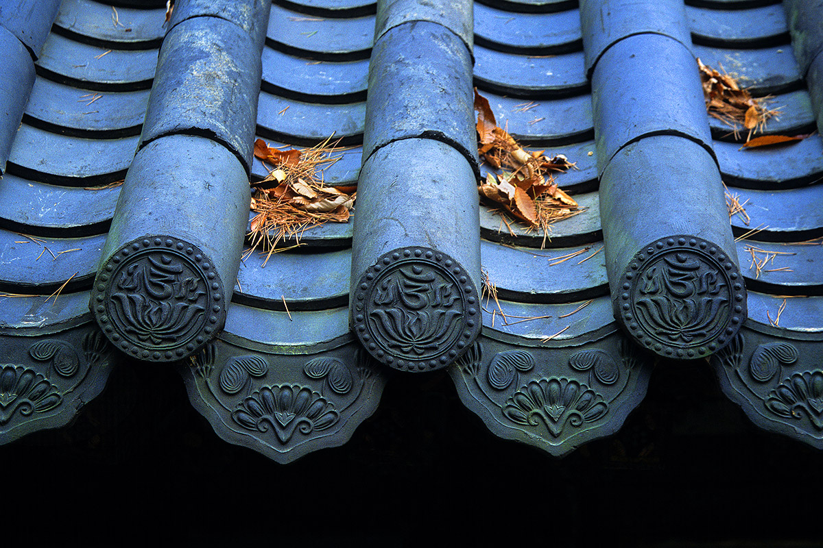south_korea/tongdosa_roof_tiles