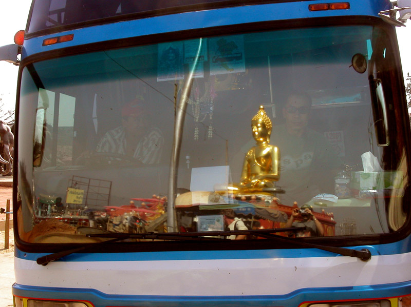 thailand/2004/chiang_saen_windshield