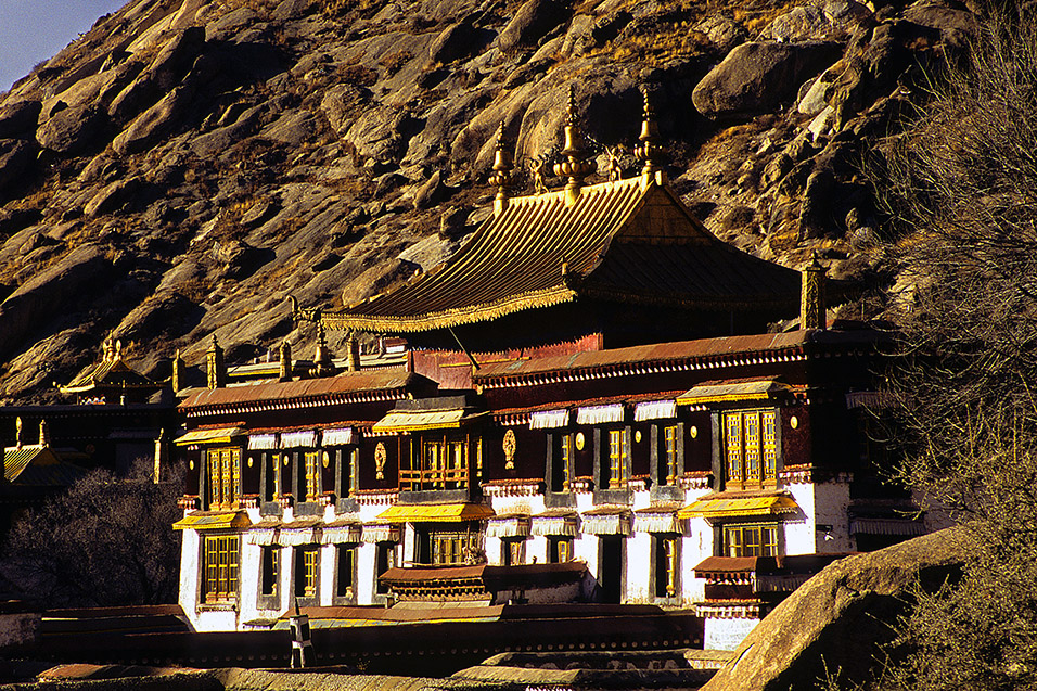 tibet/lhasa_golden_hill_temple