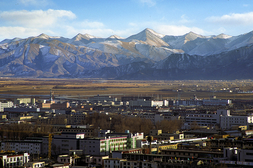 tibet/lhasa_industrial_moutain_view