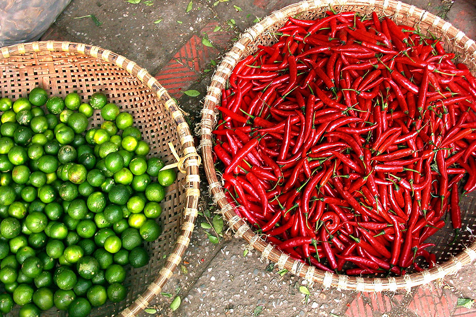 vietnam/hanoi_peppers_lime