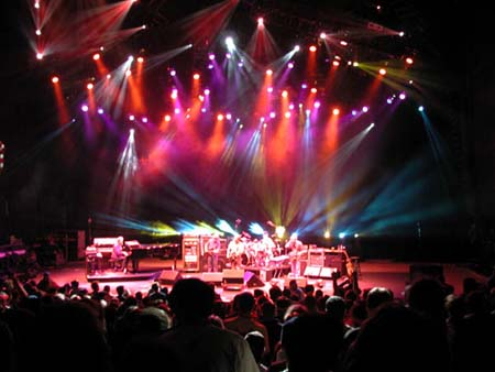phish/2000_10_06_shoreline/phish_10_06_00_14