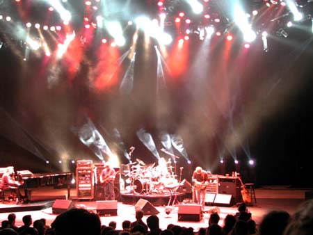 phish/2000_10_06_shoreline/phish_10_06_00_6