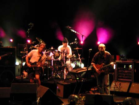 phish/2000_10_06_shoreline/phish_10_06_00_9