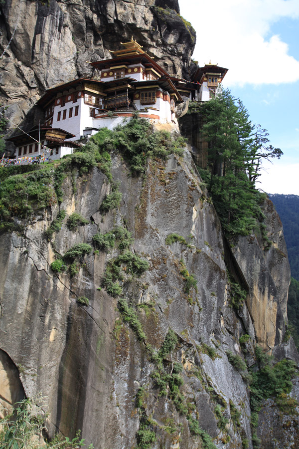 bhutan/tigers_nest_cliff