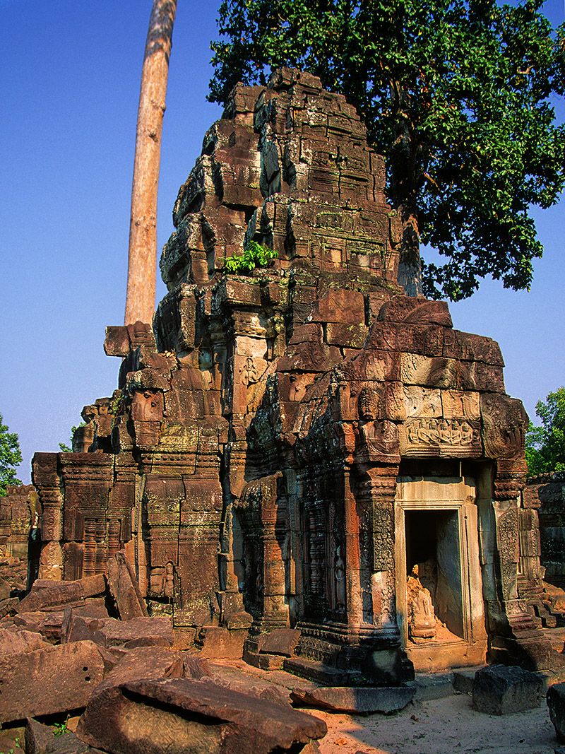 cambodia/angkor_small_temple