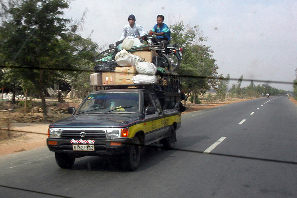 cambodia/road_kratie_packed_truck