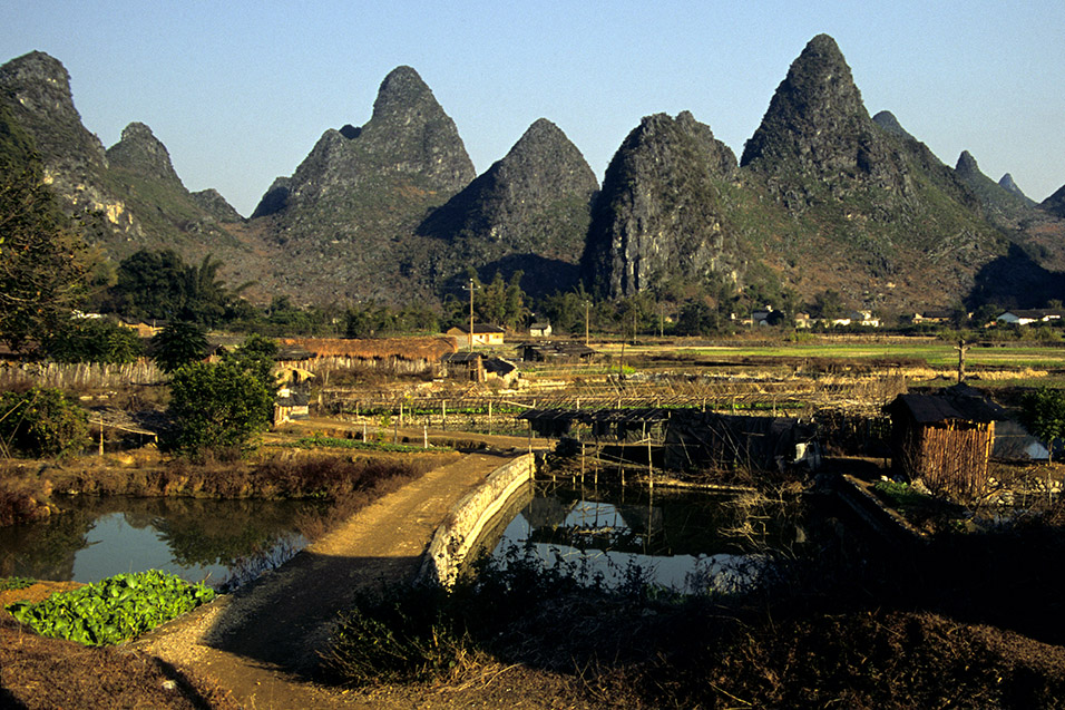 china/2004/yangshuo_bridge_fields_karst