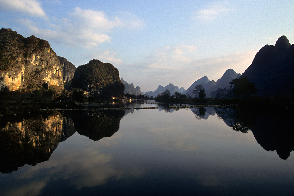 china/2004/yangshuo_reflection