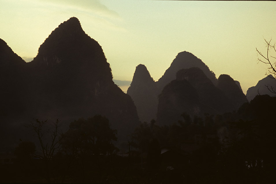china/2004/yangshuo_sunset_golden
