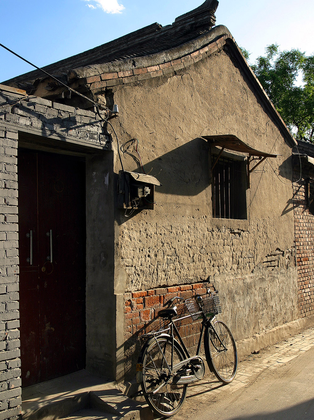 china/2006/beijing_hutong_bike