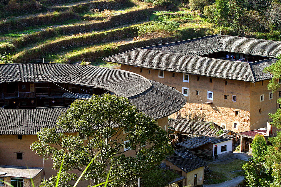 china/2007/tulou_round_square
