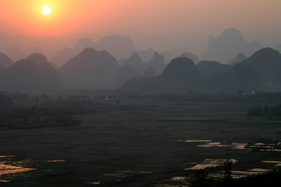 china/2007/yangshuo_shitoucheng_sunset_view